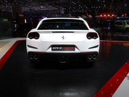 法拉利GTC4Lusso列表_车展组图